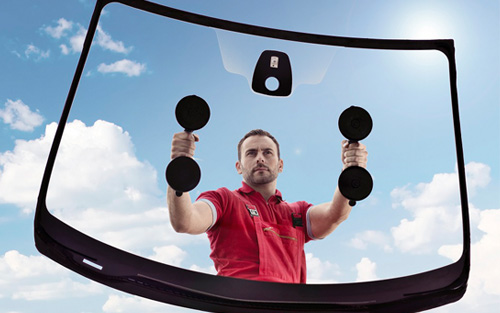 Glass handling suction cups (iStock image 57313612)
