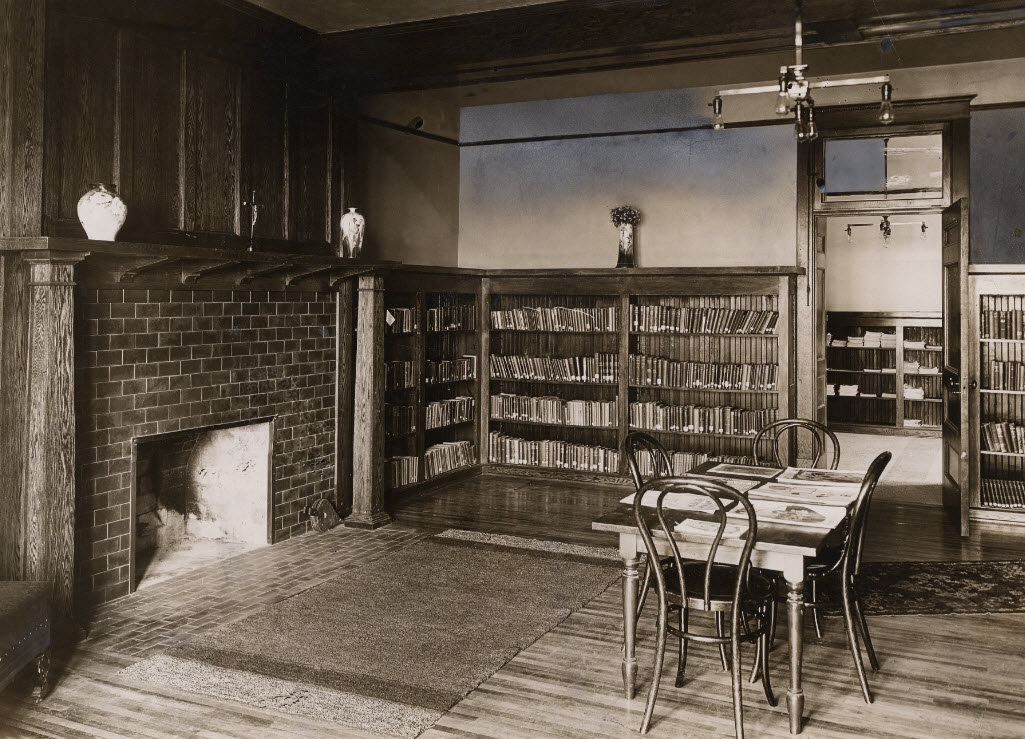 1909 First CSS Library