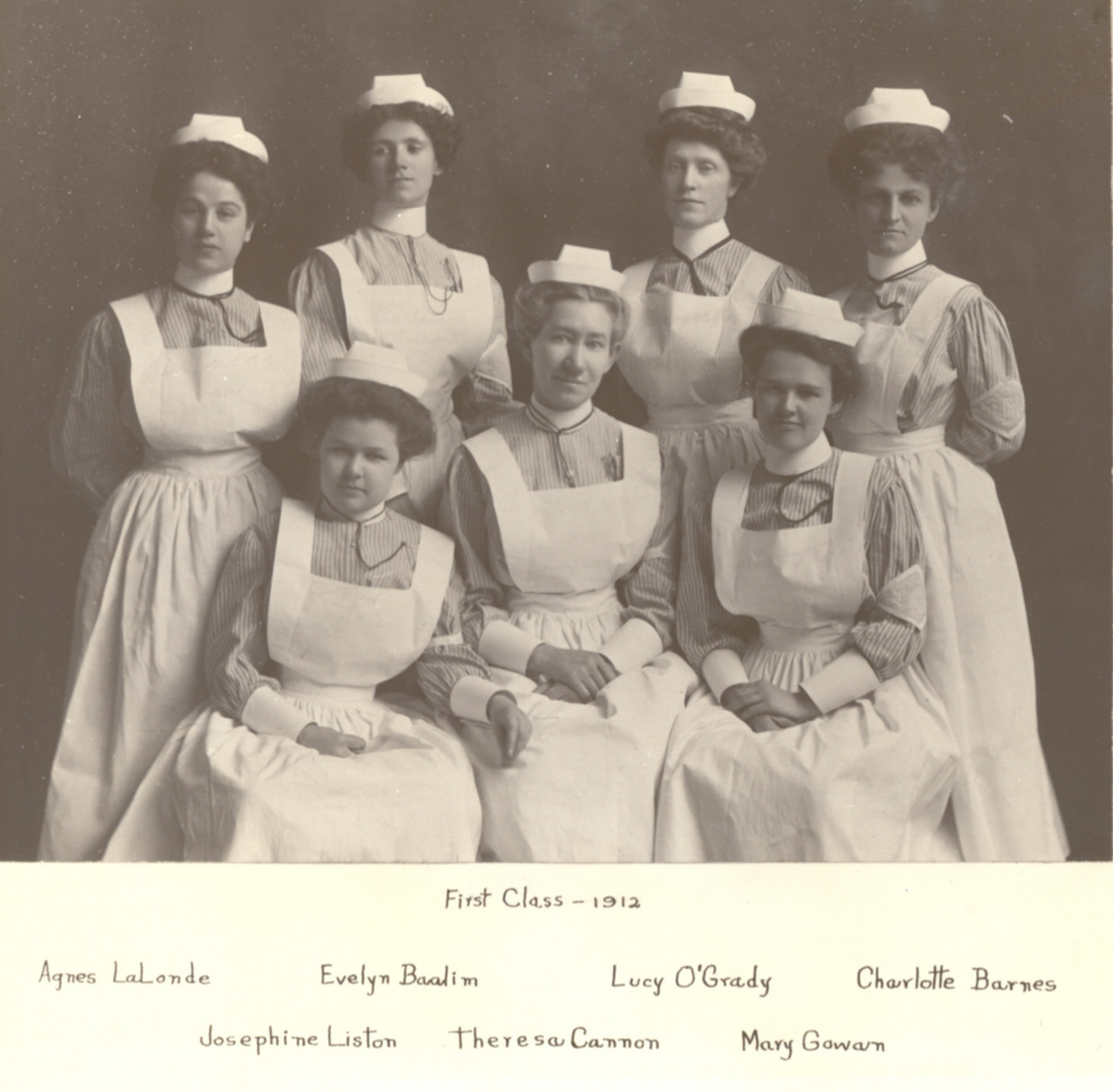1912 Nursing Students