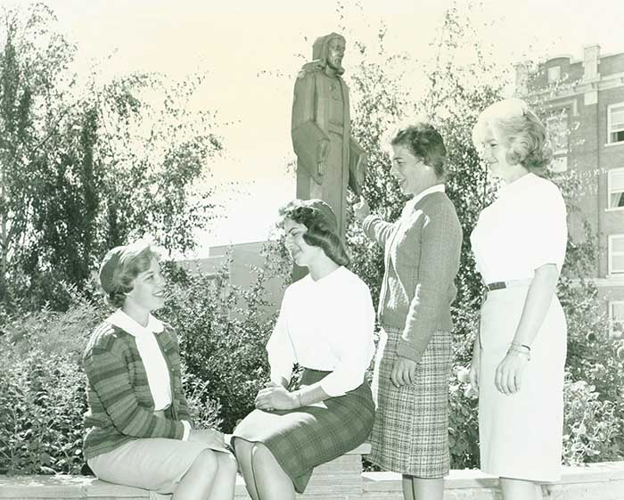 Dean of Women, Eileen Hume, Talking with Co-Eds, 1961.