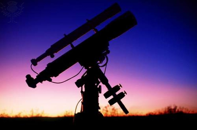 Telescope and accompanying spotting scope - Britannica ImageQuest