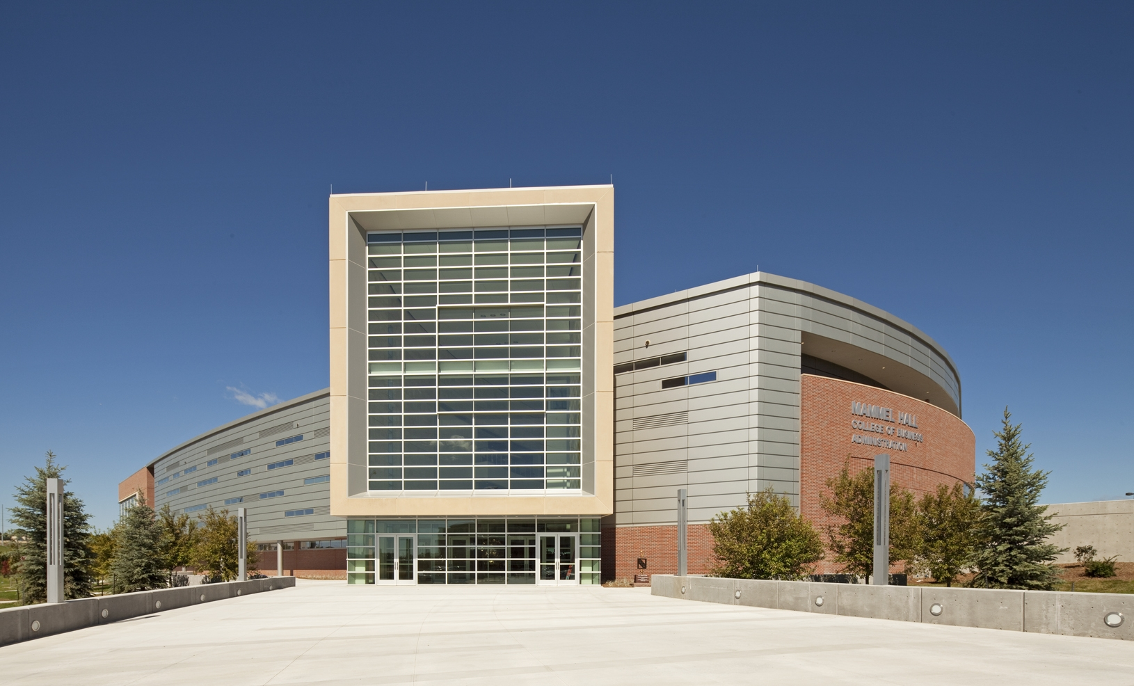 Photograph of Mammel Hall on University of Nebraska Omaha