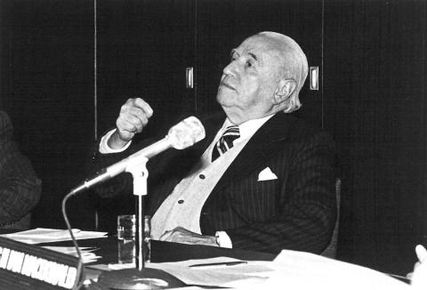 Biografia - Raúl Prebisch e os desafios do desenvolvimento no século XXI -  Biblioguias at Biblioteca CEPAL, Naciones Unidas