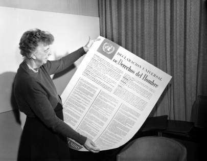 Universal Declaration of Human Rights Mrs. Eleanor Roosevelt of the United States holding a Declaration of Human Rights poster in Spanish. [November 1949] 01 November 1949 United Nations,Lake Success, New York Photo # 117539