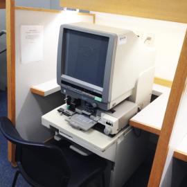 microfilm/microfiche reader