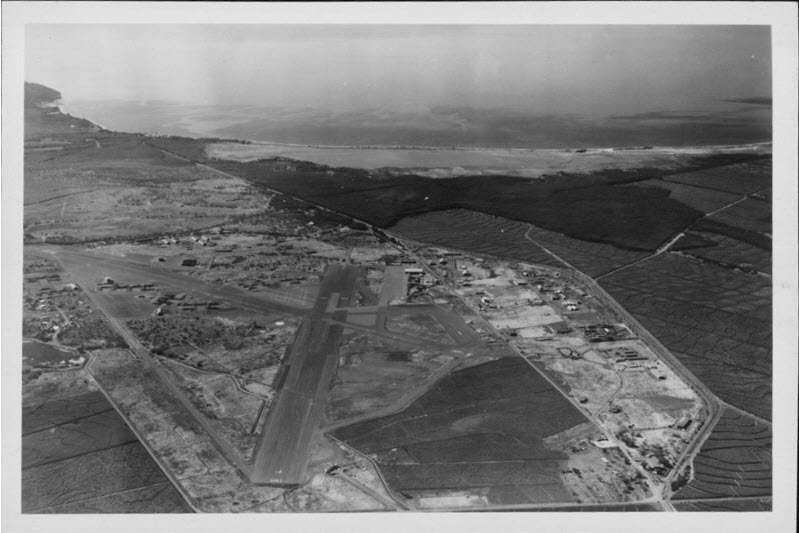 Aerial view of Puunene Airport, 1948