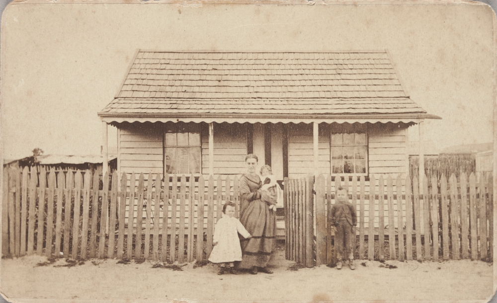 Grace Whitfield and her children, Red Streak, Creswick. 1874