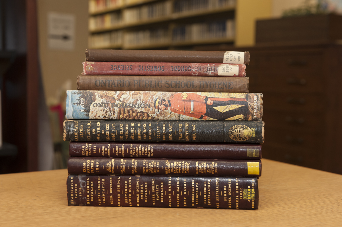 Report: High Textbook Prices Have College Students