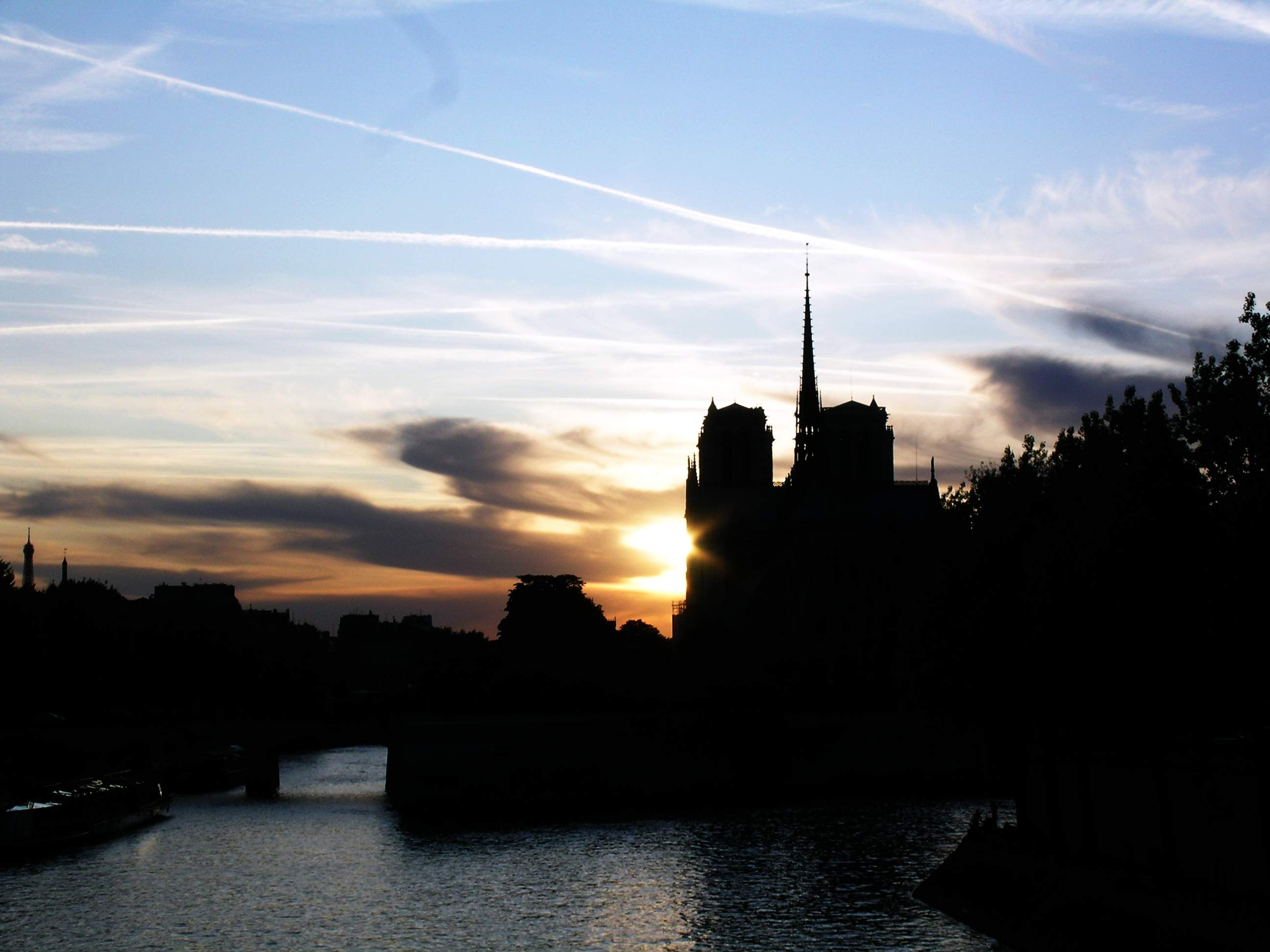 photo of Notre Dame in Paris
