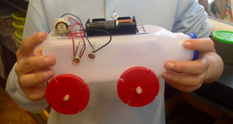 Battery-powered vehicle made by student