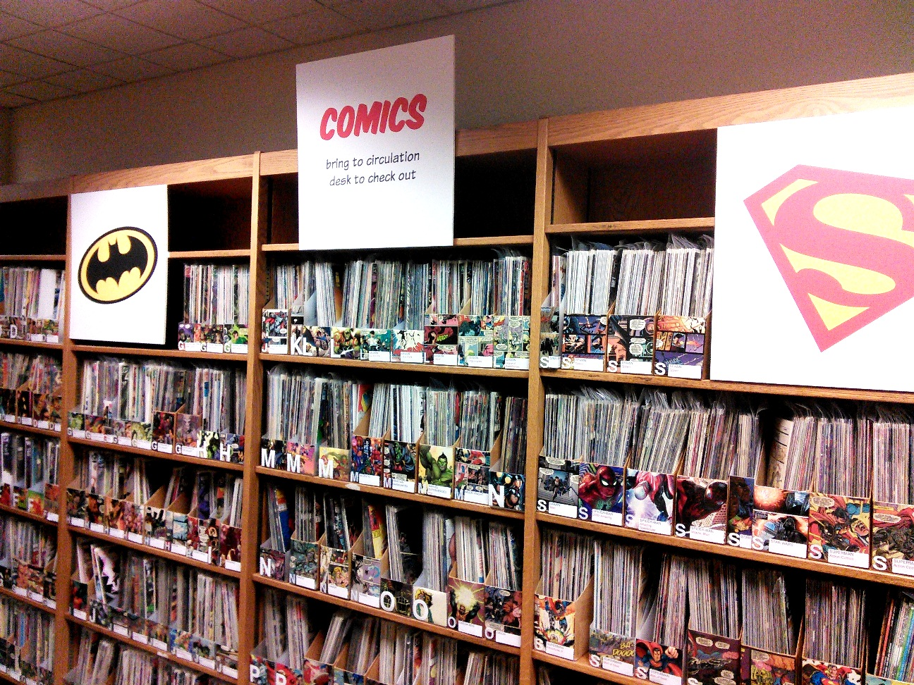 A picture of where the comic books are stored in the lounge