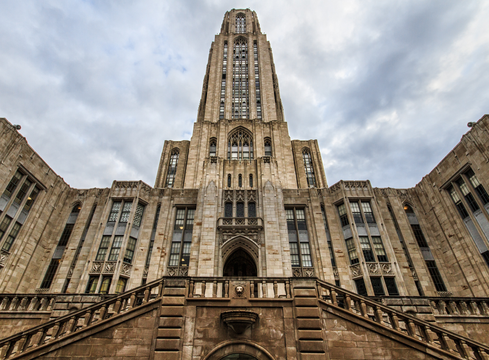 Photograph of the Cathedral of Learning