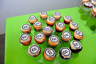 "Cupcakes with the Creative Commons ""CC"" on them"