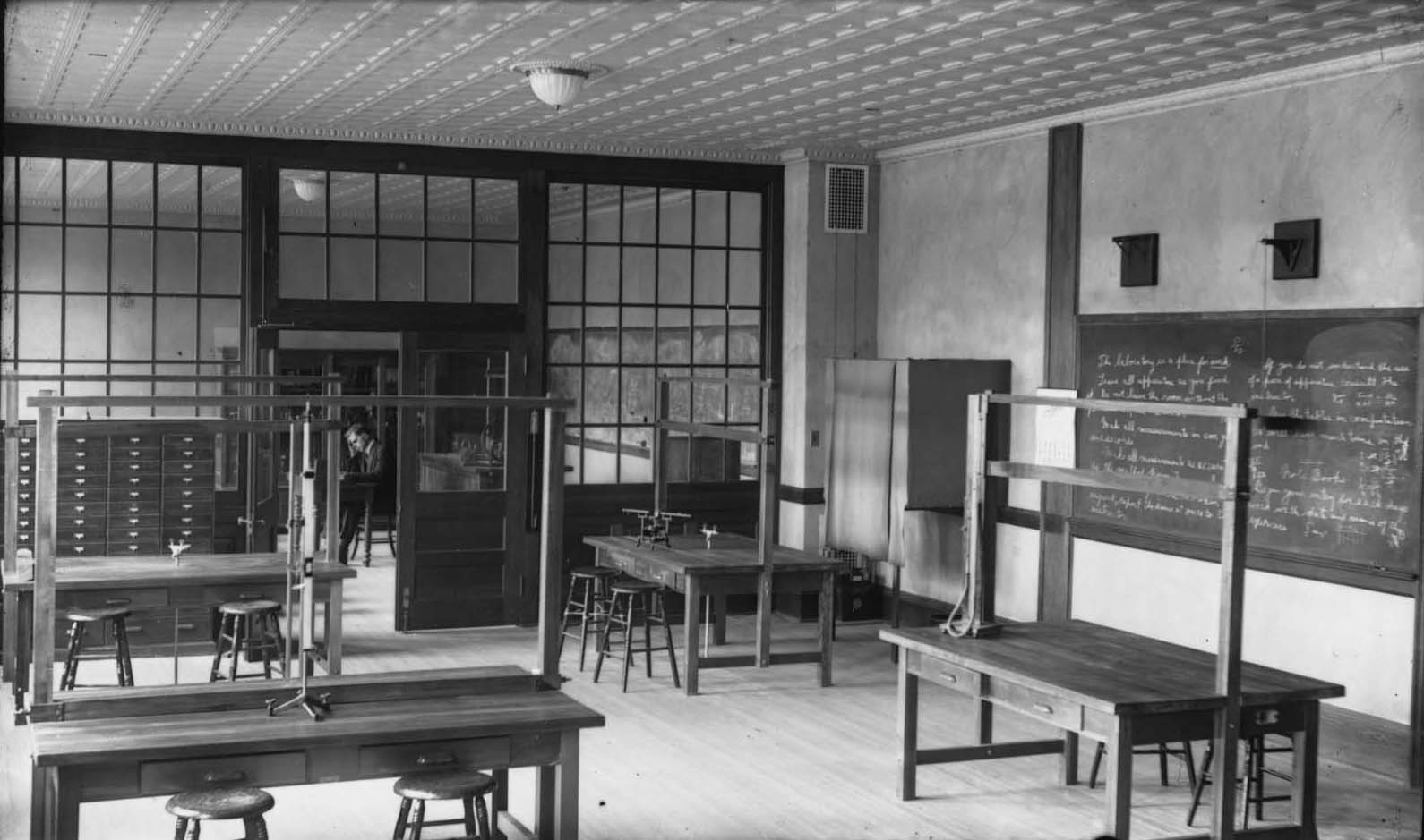 Lewis Hall Laboratory circa 1920
