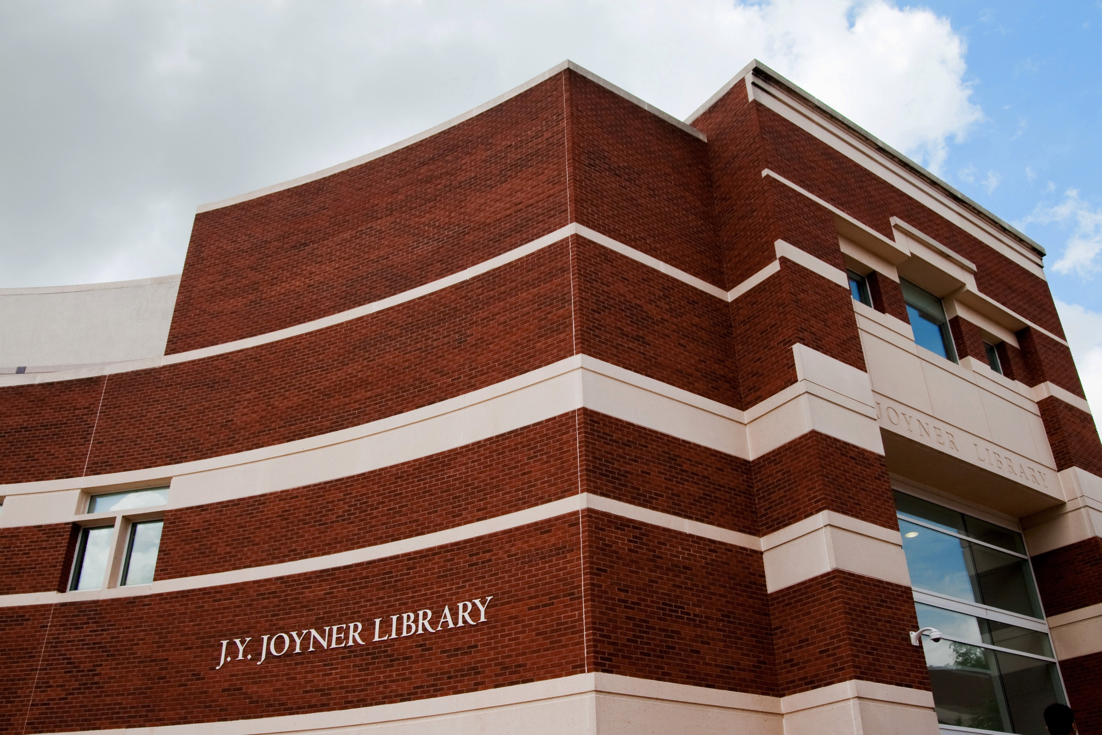 Photo of Joyner Library exterior