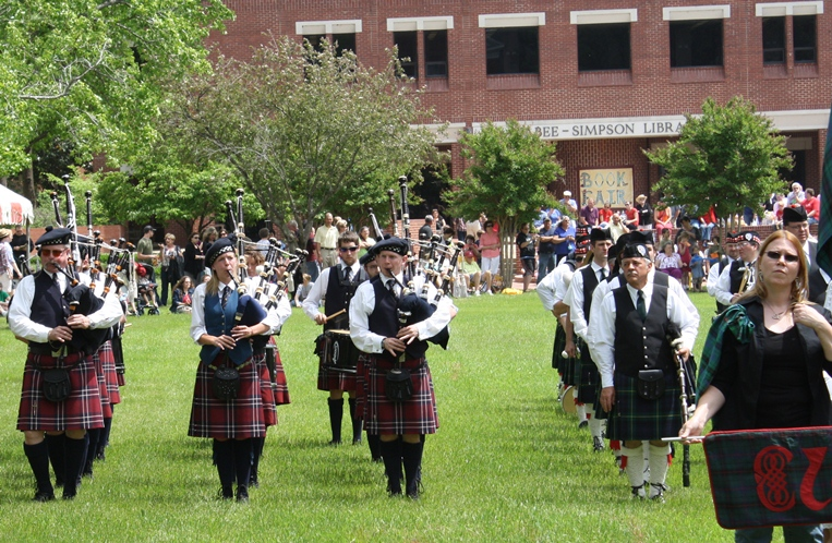 Image of Pipers In Front of Library