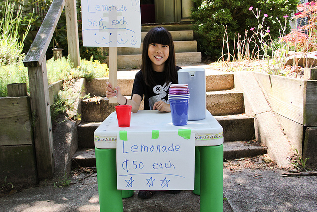 Photo of child entrepreneur's lemonade stand