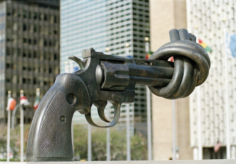'Non-violence' sculpture is a gift from the Government of Luxembourg and was presented to the United Nations in 1988. It consists of a large replica in bronze of a .45-calibre revolver, the barrel of which is tied into a knot.
