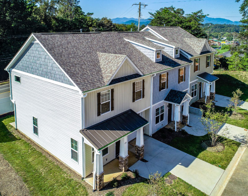 Liberty oaks candler townhomes