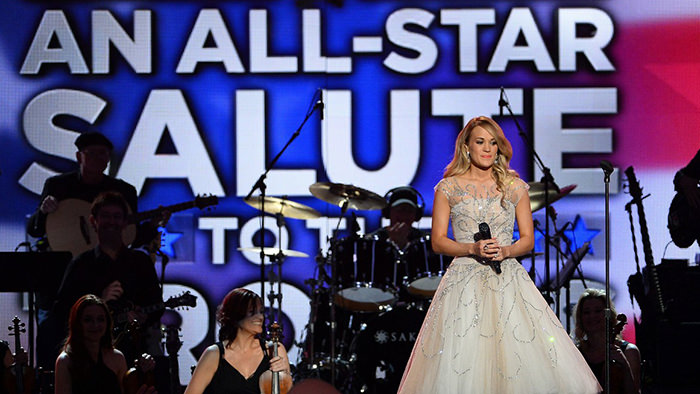 carrie underwood salute the troops