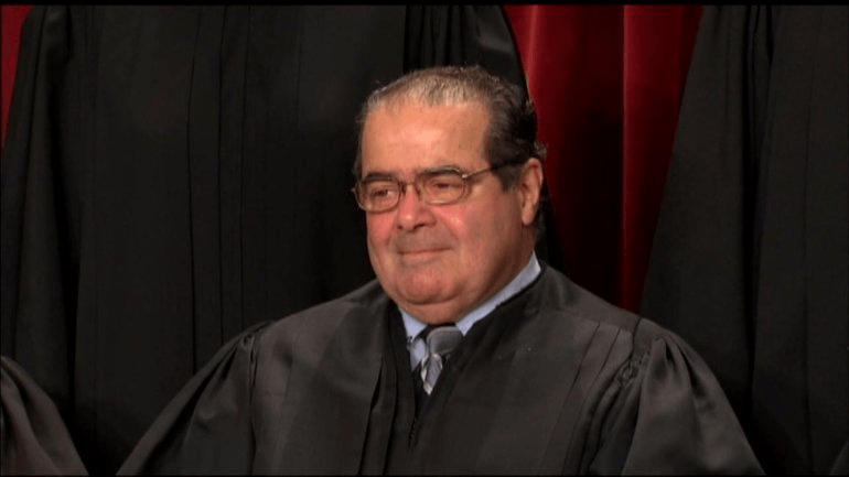 Who is it that Wants to Chop up the Corpse of Justice Scalia against his Spouse's Wish?