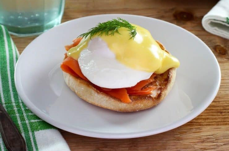 9. Nova Lox Eggs Benedict with Hollandaise | Life 360 Tips