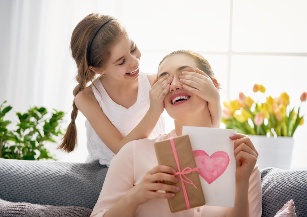 Amazing Facts You Never Knew About Mother's Day | Life 360 Tips