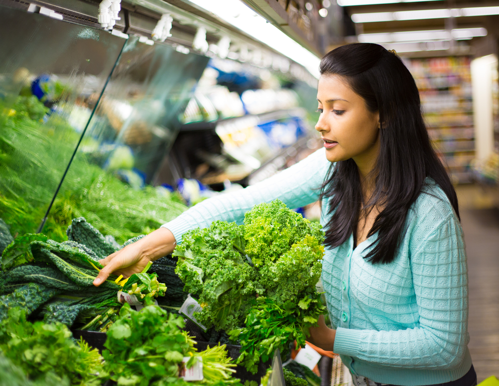 It helps keep your eyes healthy | 8 Things That Happen To Your Body When You Eat Romaine Lettuce Every Day | Life360 Tips