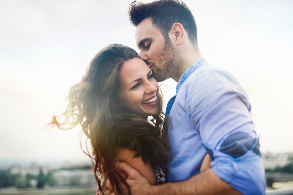 Wearing your hair down   8 Behaviors That Attract Men The Most   Life360 Tips