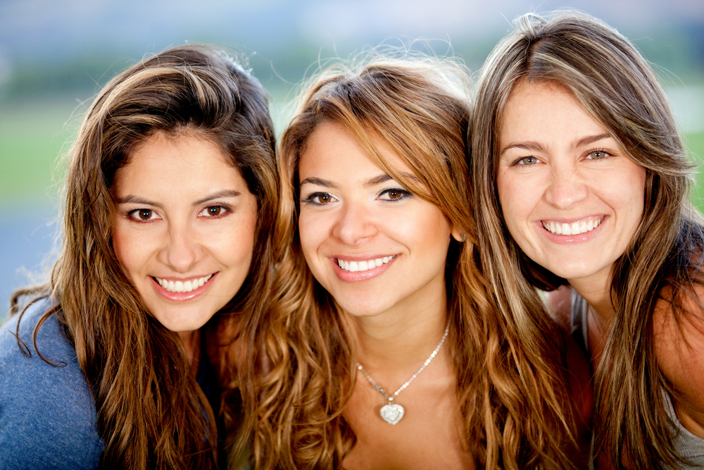 Hanging with friends   8 Behaviors That Attract Men The Most   Life360 Tips