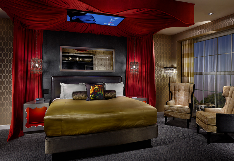 09_Elivis-Suite_Bedroom_Elvis1