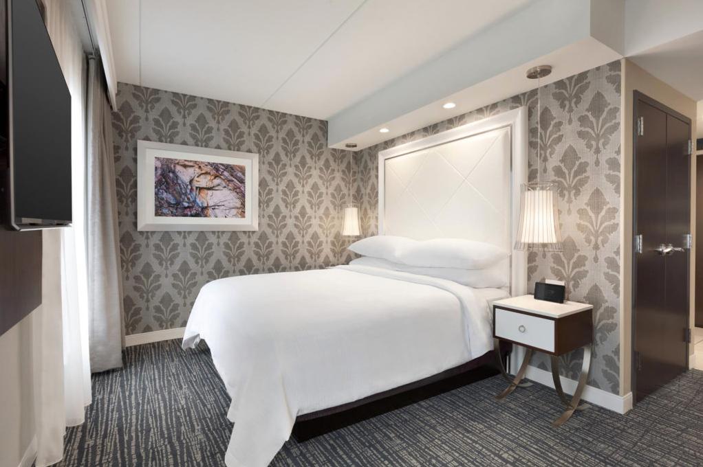 Embassy Suites Hotel Guest Room at Sugarloaf Duluth designed byFusion A. I. Design