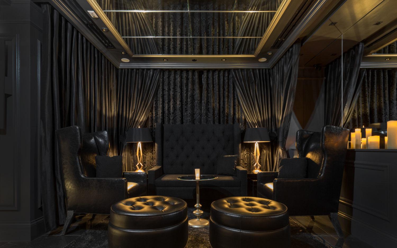 The Monarch Bar - The Parlour Room
