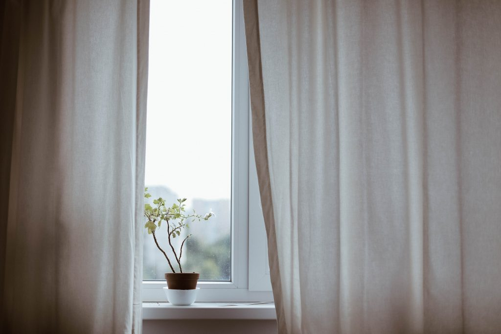 Blackout curtains reduce cooling costs
