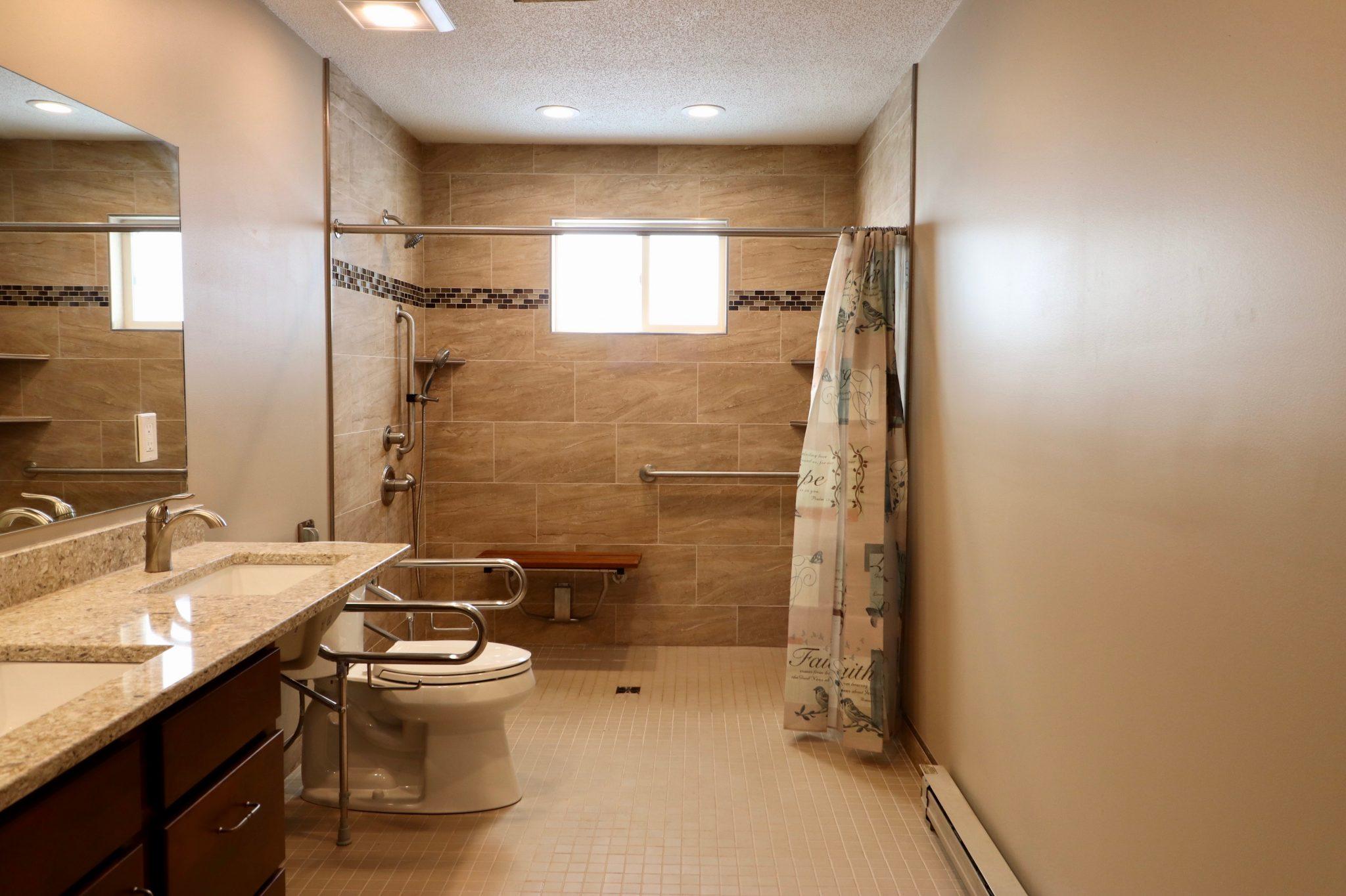 Roll-in Shower(4)