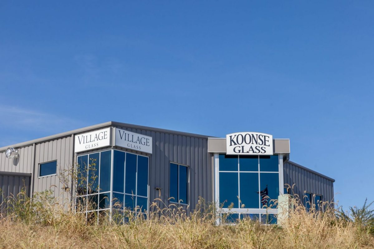 Koonse Glass exterior - finished by Huebert's Commercial Construction team