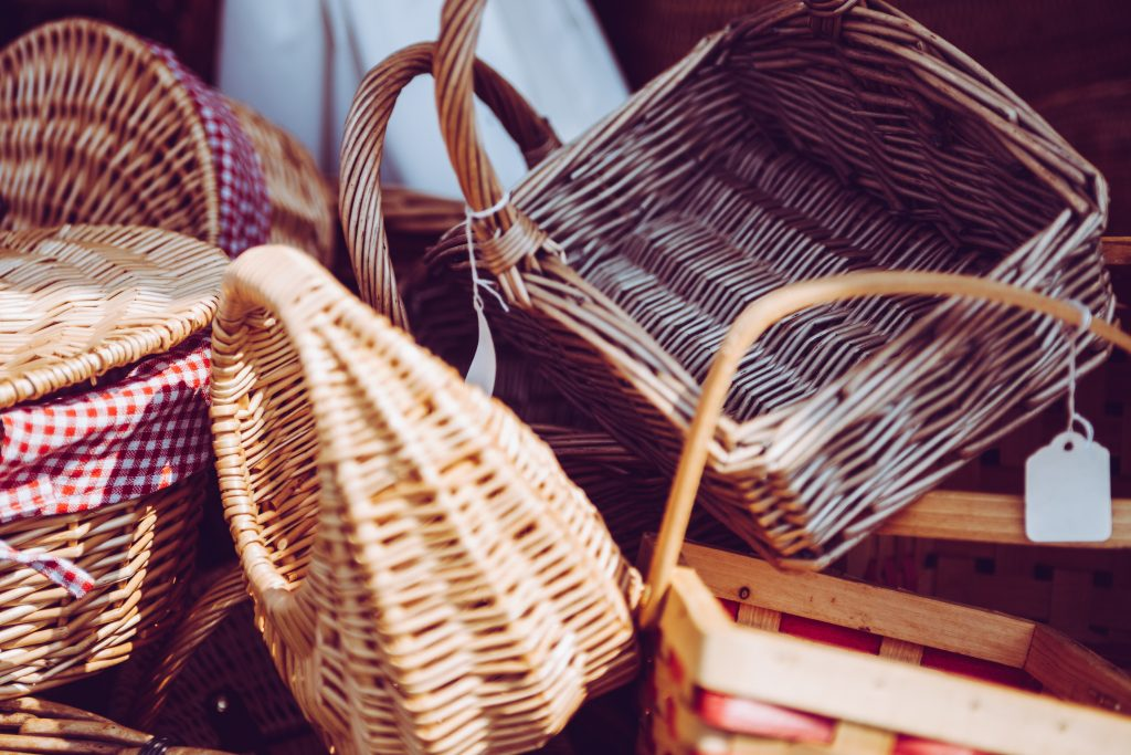 thrift store baskets for your apartment
