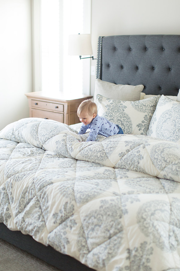 baby-on-bed