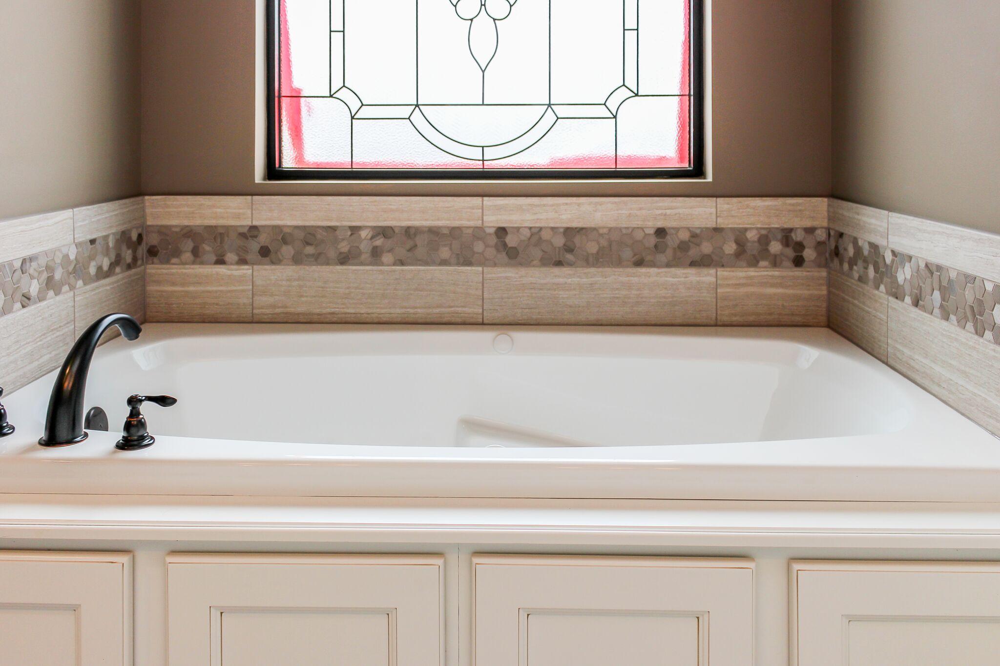 Bath tub in a custom bathroom in Columbia, Mo