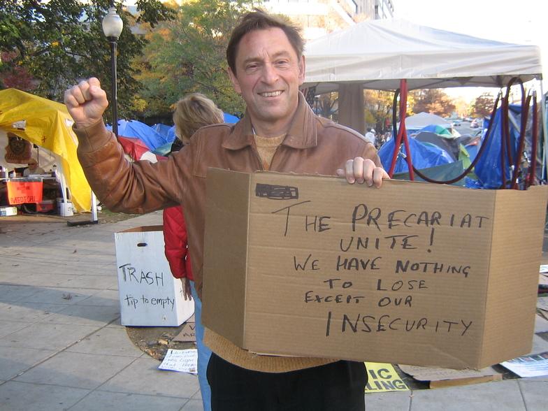 Guy Standing assumindo a causa no Occupy Washington DC em 2011