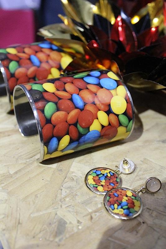 Vontade de comer as pulseiras com estampa de doces?