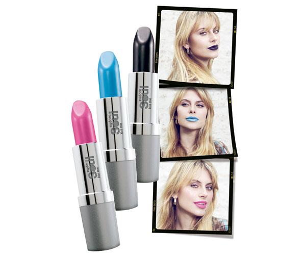 Da Eudora: batons Kiss Me nas cores Electric Pink, Brave Blue e Black Style (R$ 10, 50) cada