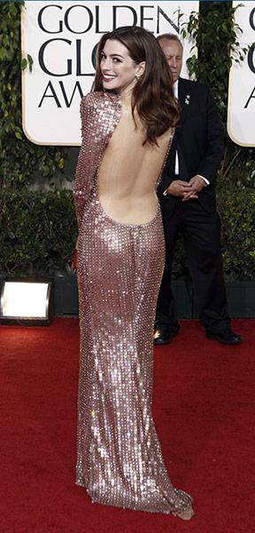 Anne Hathaway de Armani Privé