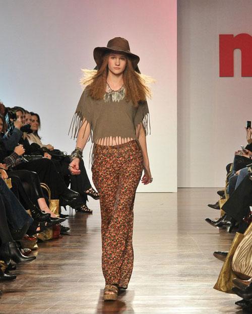 O chapéu grande que apareceu na Lanvin e Dior