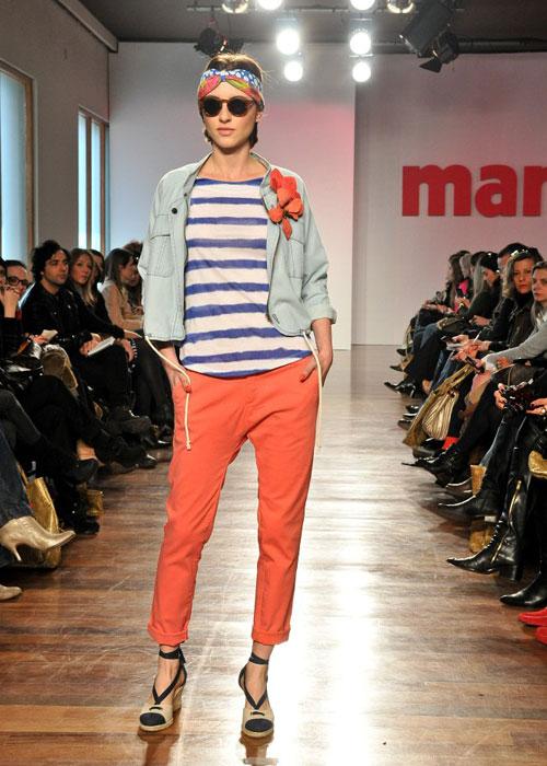 Esse jeans clarinho é uma graça!