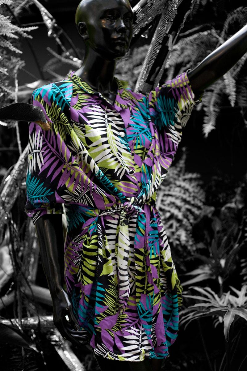 O vestido também foi criado por ela, vai ser uniforme das vendedoras e estará à venda (R$ 259,90)