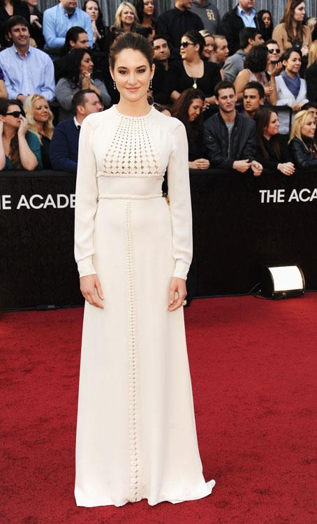Shailene Woodley de Valentino alta-costura