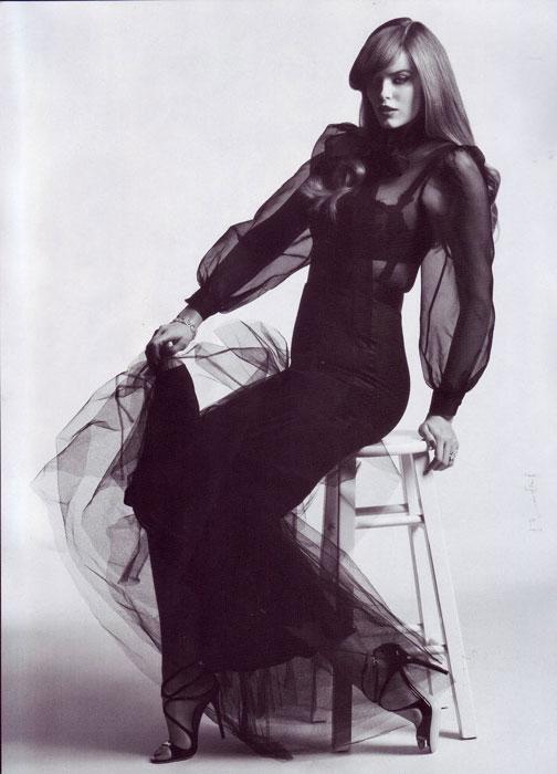 Robyn Lawley já fotografou para Vogue Italia e a Elle francesa