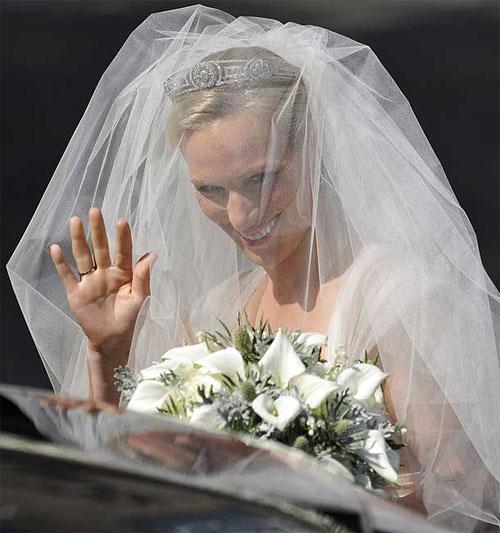 A tiara Meander foi emprestada pela mãe, princesa Anne