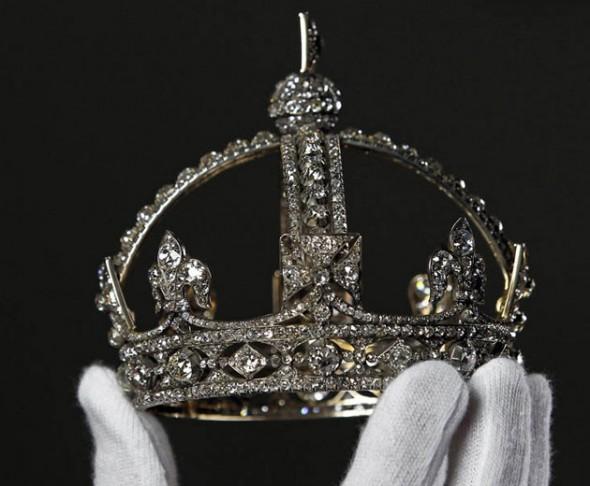 29512-jubileu-mini-coroa-victoria